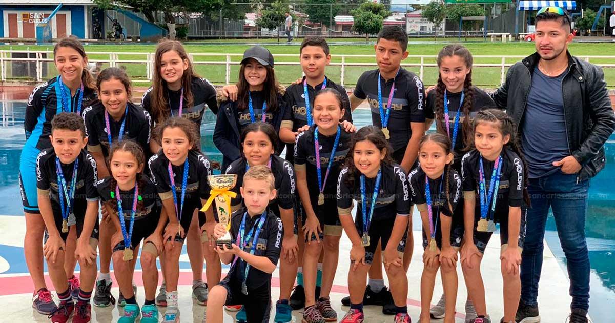 25 niños sancarleños son bicampeones en Patinaje - San Carlos Digital
